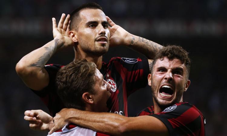 Milan a punteggio pieno, 2-1 al Cagliari