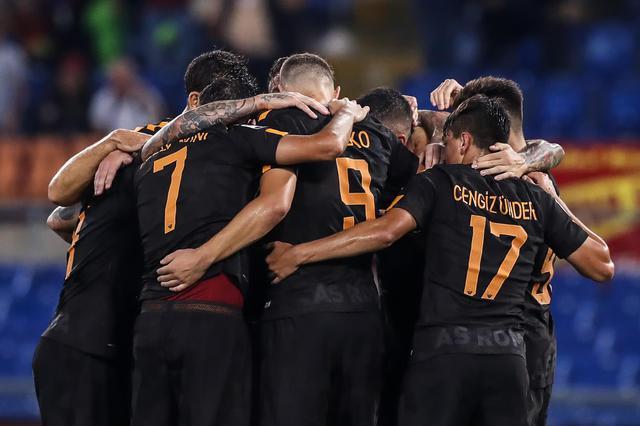 La Roma batte il Verona 3-0.