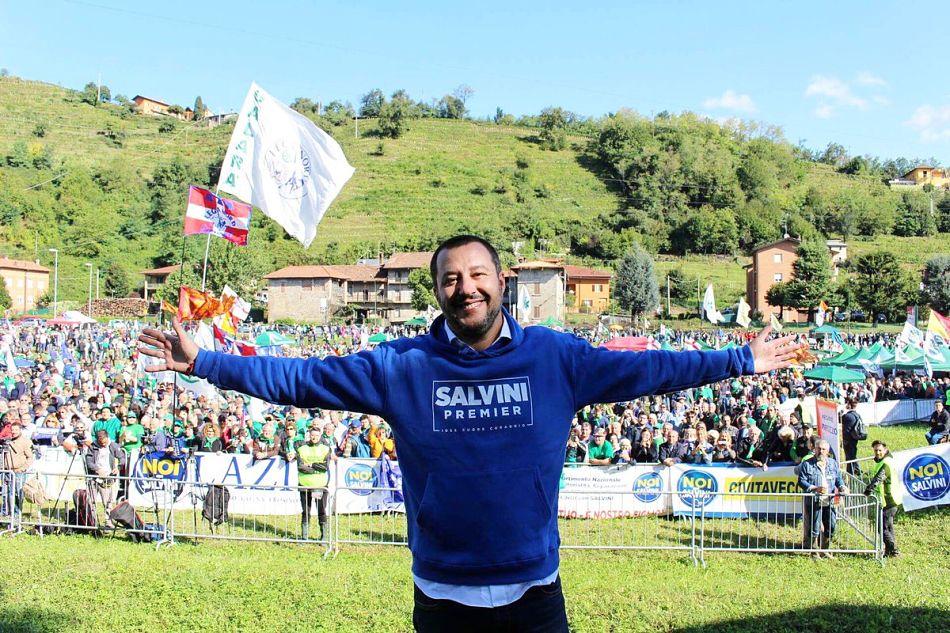 A Pontida Bossi è escluso, ora comanda Salvini