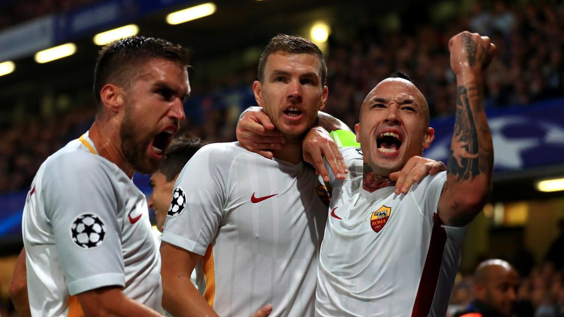 La Roma illumina Stamford Bridge