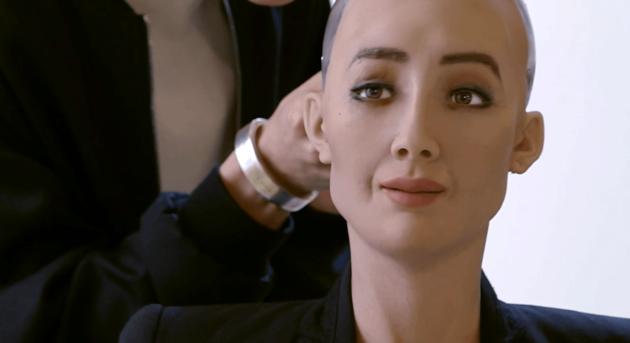 Sophia primo robot con cittadinanza: trovata mediatica o prossimo futuro?