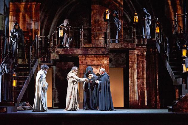 'Il nome della rosa', il capolavoro di Eco sul palcoscenico del Teatro Argentina