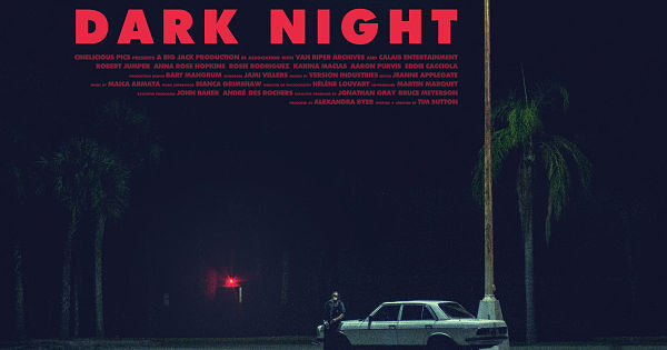 DARK NIGHT | L'incubo americano in un brillante racconto per immagini