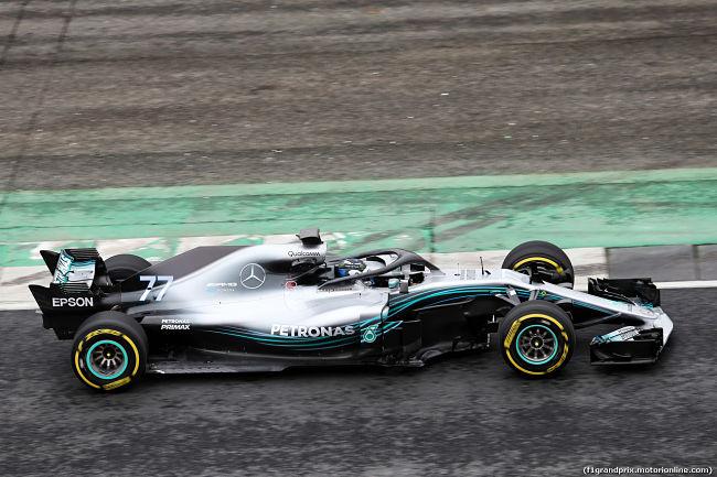 Mercedes, tolti i veli alla nuova monoposto W09