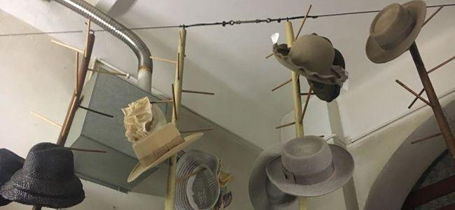 Lorenzo Borghi: la bellezza nelle linee, nei volumi, nel movimento dei cappelli