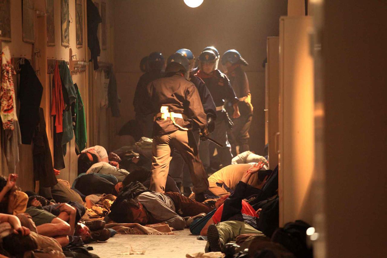 Nella mattanza di Bolzaneto fu massacrato anche lo Stato italiano
