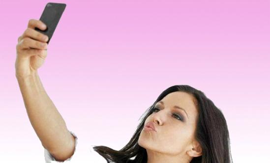 """""""Selfite"""", dipendenza dal selfie, potrebbe essere un'autentica malattia mentale"""