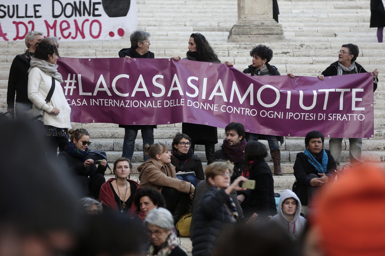 Raggi contro la Casa Internazionale delle Donne