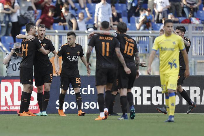 La Roma batte il Chievo 4 – 1. Ora testa e cuore al Liverpool.