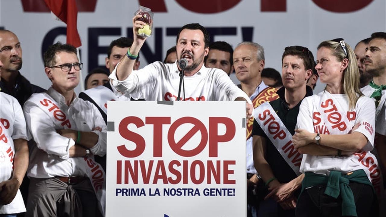 È giusto dare del razzista a Salvini?