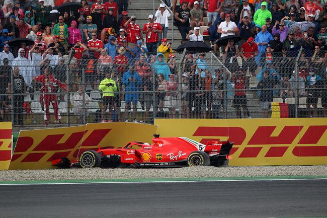 GP di Germania: Vettel getta al vento la vittoria, Hamilton approfitta