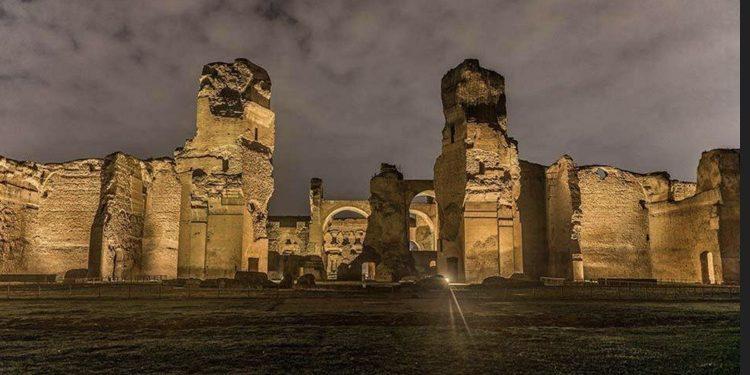 """L'apertura serale delle Terme di Caracalla: """"Sogno di una notte di fine estate"""""""