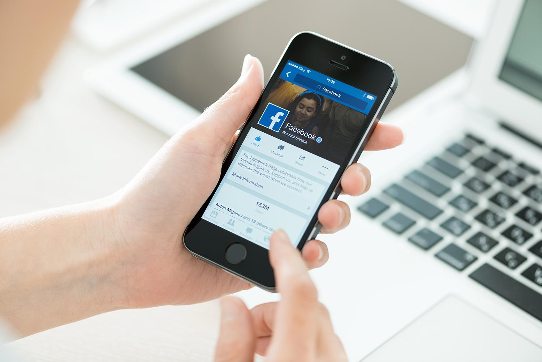 Quattro mesi senza Facebook per insulti razzisti