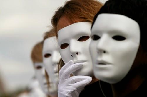 Lifting di stagione: vecchi personaggi, nuove maschere