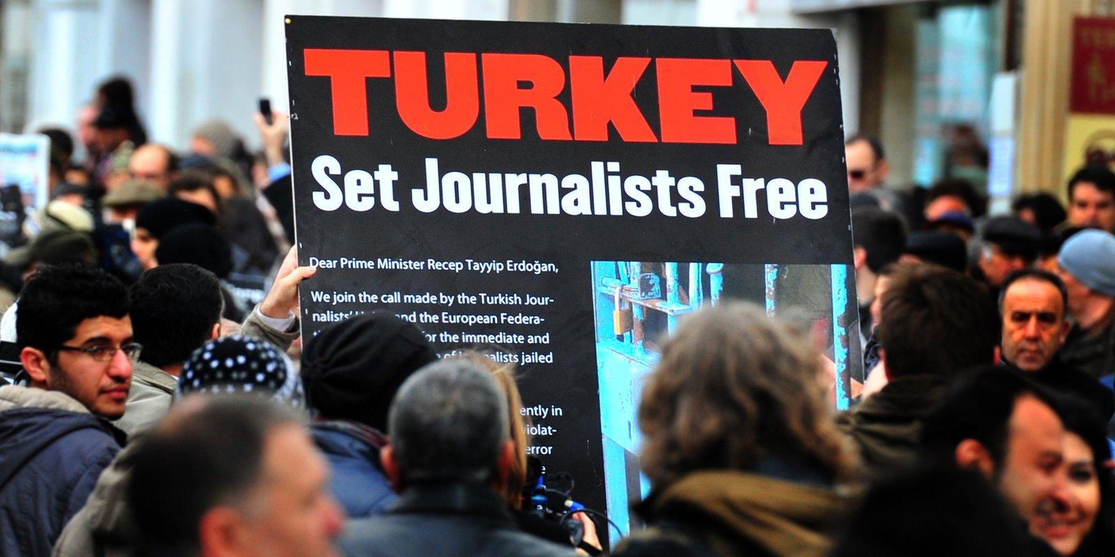 In Turchia la libertà è condannata all'ergastolo: la storia di Ahmet Altan