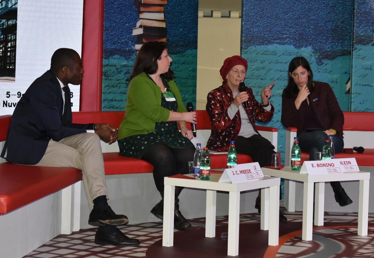 Immigrazione controllata: è possibile? Emma Bonino parla a Più libri, più liberi