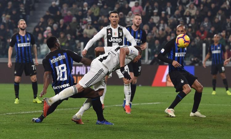 Mandzukic manda al tappeto una buona Inter e porta la Juve sempre più su…