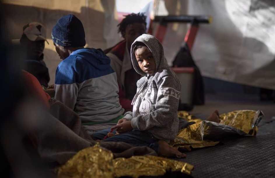 Migranti e porti chiusi: vite allo stremo in balia della propaganda