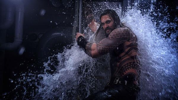 """AQUAMAN   Quando un film """"fa acqua da tutte le parti"""" … in ogni senso"""