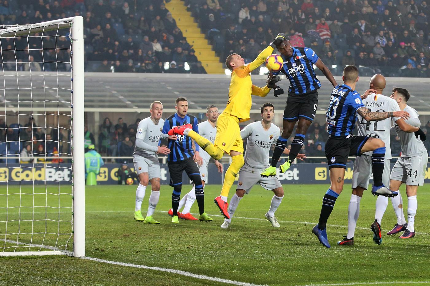 La Roma ci riesce ancora: avanti 3-0, pareggia 3-3 a Bergamo contro l'Atalanta