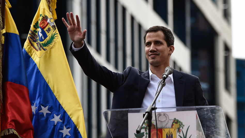 Venezuela: Juan Guaido mantiene la pressione per la strada