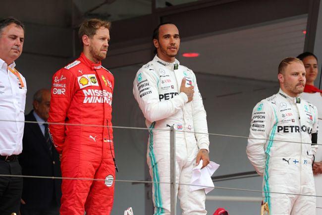 Gp Monaco: Hamilton controlla Verstappen ma l'olandese è penalizzato, Vettel secondo davanti a Bottas