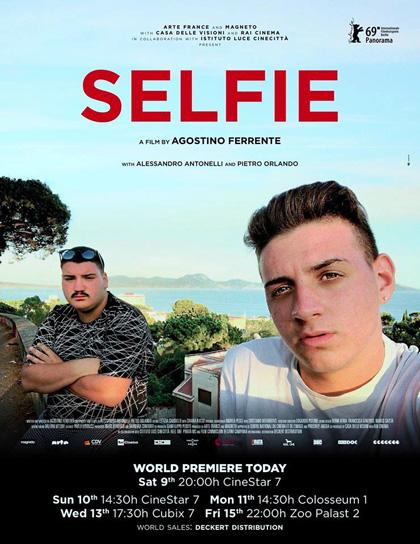 Selfie   due sedicenni riprendono la loro vita nel Rione Traiano