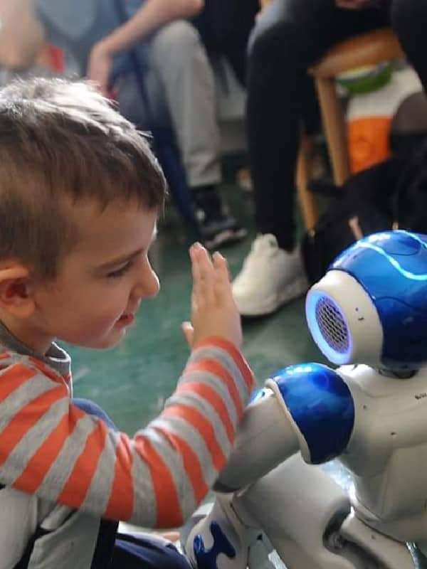 Tecniche non farmacologiche e robotica in pediatria