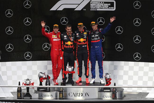 Gp Germania: Verstappen incanta sul bagnato, miracolo Vettel da ultimo a secondo