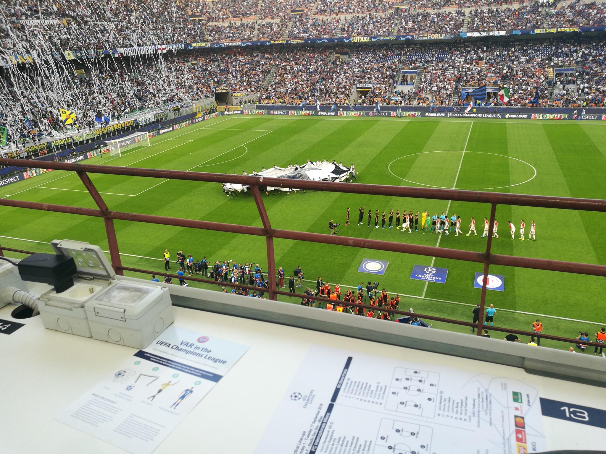 Champions: Barella salva l'Inter, Slavia Praga raggiunto nel recupero