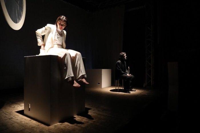 Il teatro è di chi osa: intervista a Romina Del Monte, regista di un Caligola contemporaneo