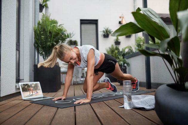 Arrivano le app per l'allenamento casalingo. Presentiamo cyberobics, piattaforma gratuita di fitness