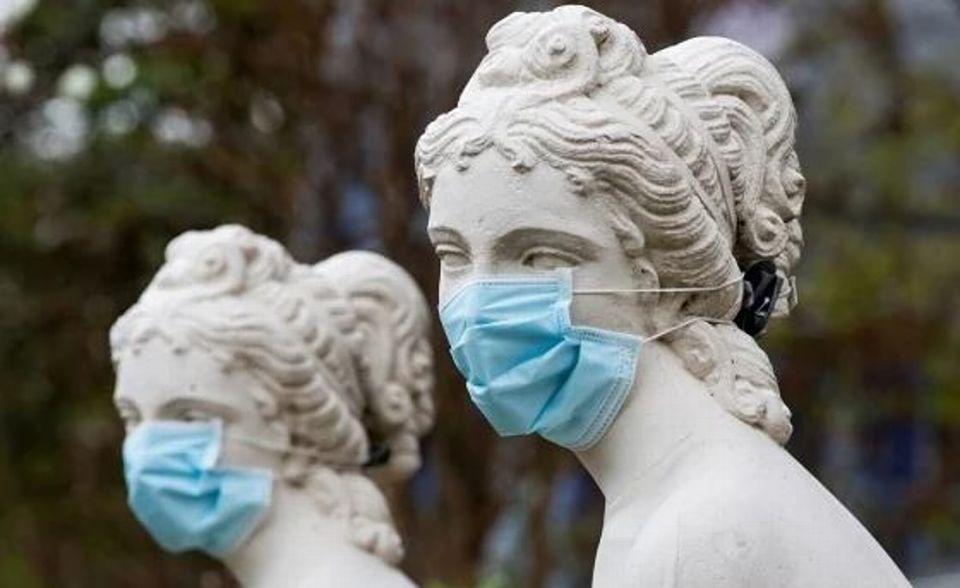 La mascherina e la sua evoluzione tra arte e fashion