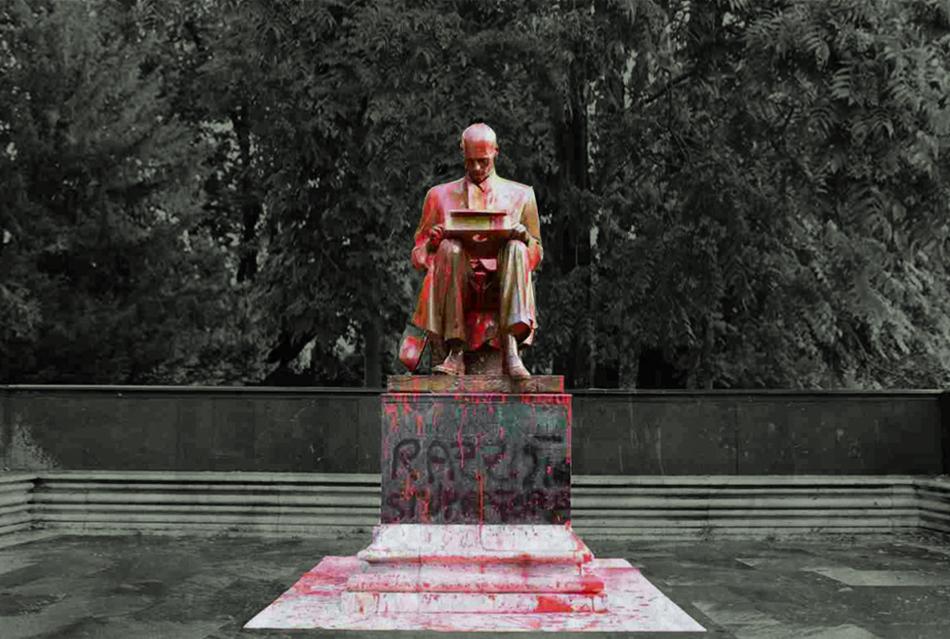 Statua Montanelli imbrattata. Un passo per comprendere l'Occidente