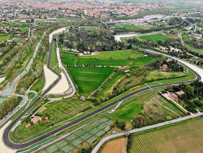 Si allunga il calendario, oltre al Mugello officiali le gare di Imola, Portimão e Nürburgring