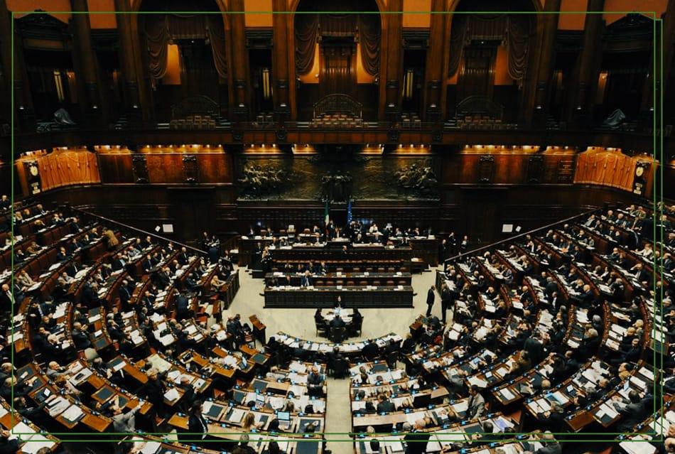 Referendum su riduzione parlamentari: meno eletti senza alcuna idea di riforma