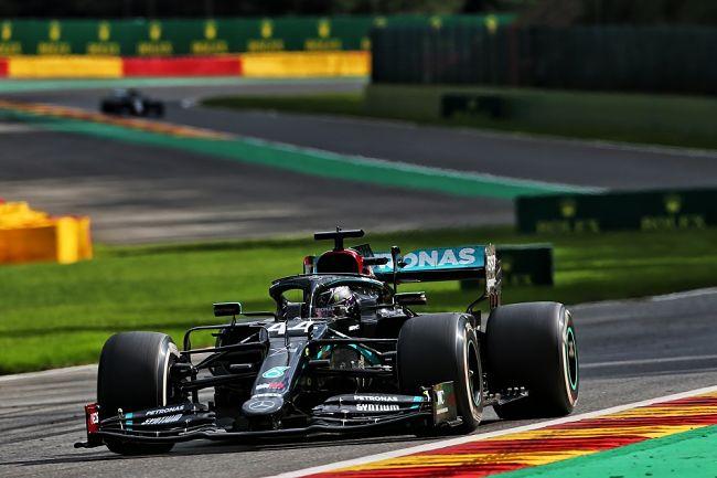 Gp Belgio: dominio Hamilton e Mercedes. Ferrari, è notte fonda
