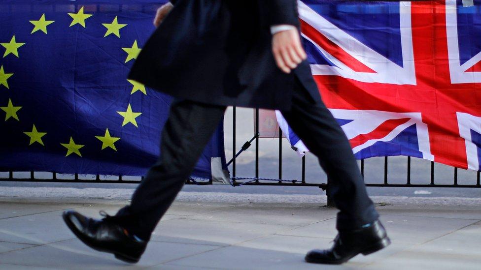 Destinazione Londra: presto obbligatorio il passaporto