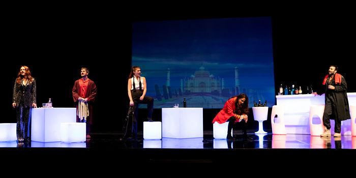 """Menotti Teatro Filippo Perego, tra """"la vita, l'universo e tutto quanto"""""""
