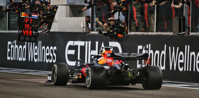 Gp Abu Dhabi: Verstappen trionfa davanti alle Mercedes. Ferrari chiude il campionato in sesta posizione, mai così male dal 1980