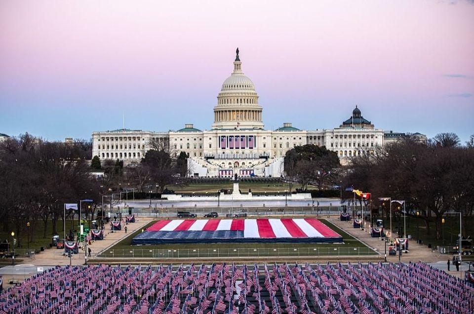 """Un nuovo inizio per l'America. Biden: """"È il giorno della democrazia"""""""
