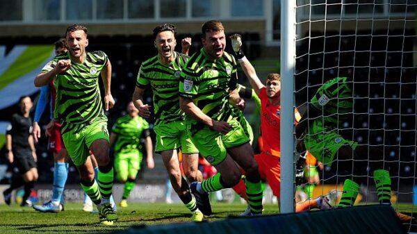 green-rivoluzione-verde-stadio-calcio-bambu-inglese